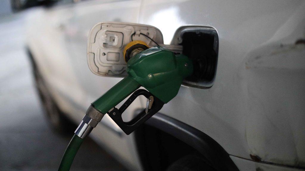 """El """"Bencinazo"""": 644 estaciones de servicio ofrecen el litro de gasolina de 97 octanos por más de mil pesos"""