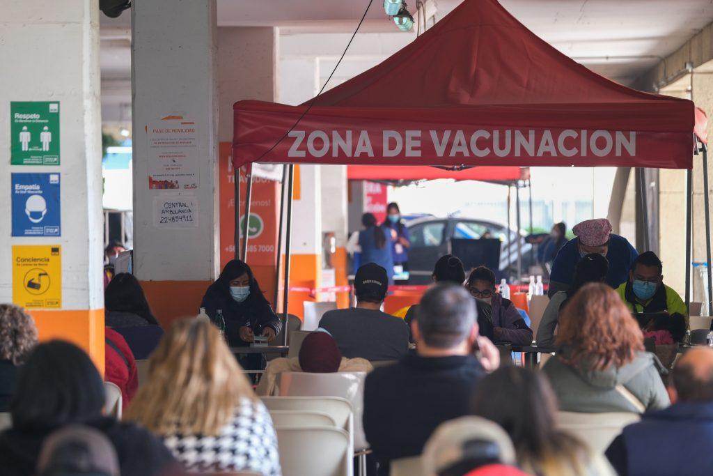 """Alcalde de Pedro Aguirre Cerda y quiebre de stock de vacuna Pfizer: """"No es primera vez, esto ya ha pasado antes"""""""