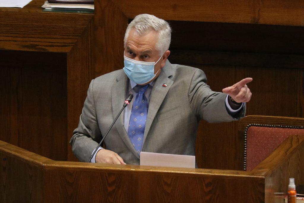 Anuncios y cuestionamientos en largo diálogo: Ministro Paris fue interpelado por la Cámara de Diputados
