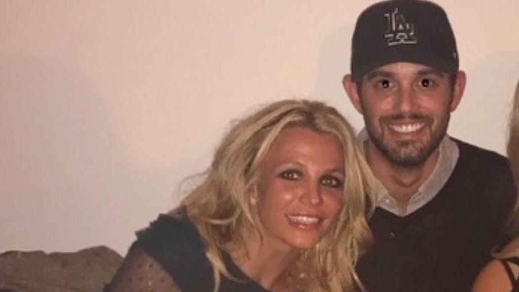 """Agente de Britney Spears se pronunció por tutela de su padre: """"El sistema y el público le fallaron"""""""