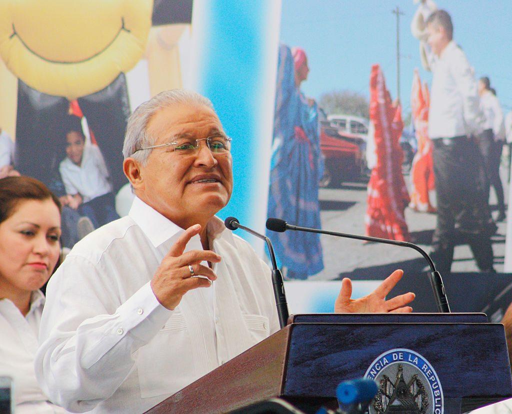 Fiscalía ordenó el arresto del expresidente salvadoreño Sánchez Cerén