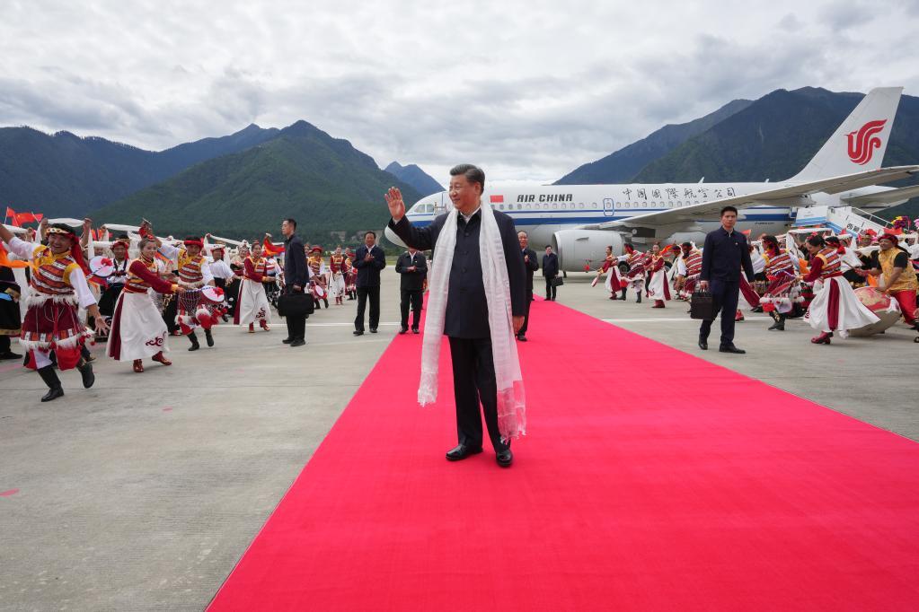 Xi Jinping es el primer presidente de China en 31 años en visitar Tíbet