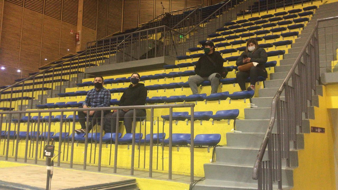 Público en la LNB.