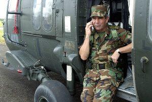 Fiscalía imputará al exjefe del ejército de Colombia por la ejecución de civiles