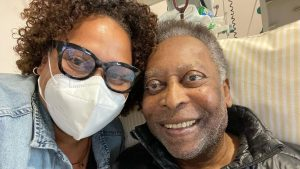"""""""Se está recuperando bien"""": hija de Pelé habló del estado de salud del astro brasileño"""