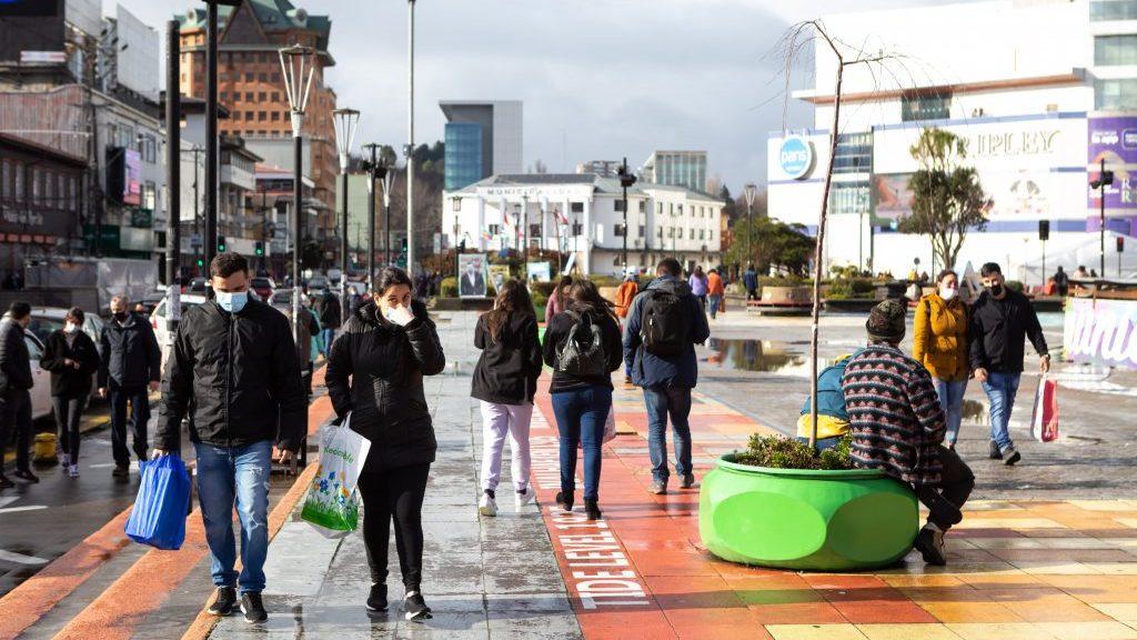 Sectores del comercio y turismo en Puerto Montt pidieron terminar con el toque de queda