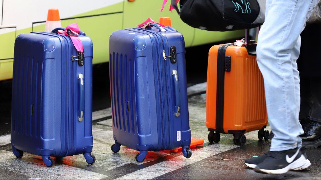 Covid-19: Seremi de Salud del Maule busca pasajeros de bus que tuvieron contacto con caso positivo