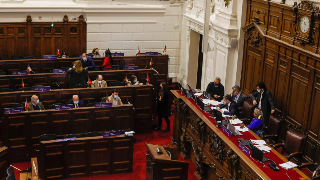 Casos de covid-19 positivo en la Convención Constitucional: Votación de indicaciones al reglamento se retomará la próxima semana
