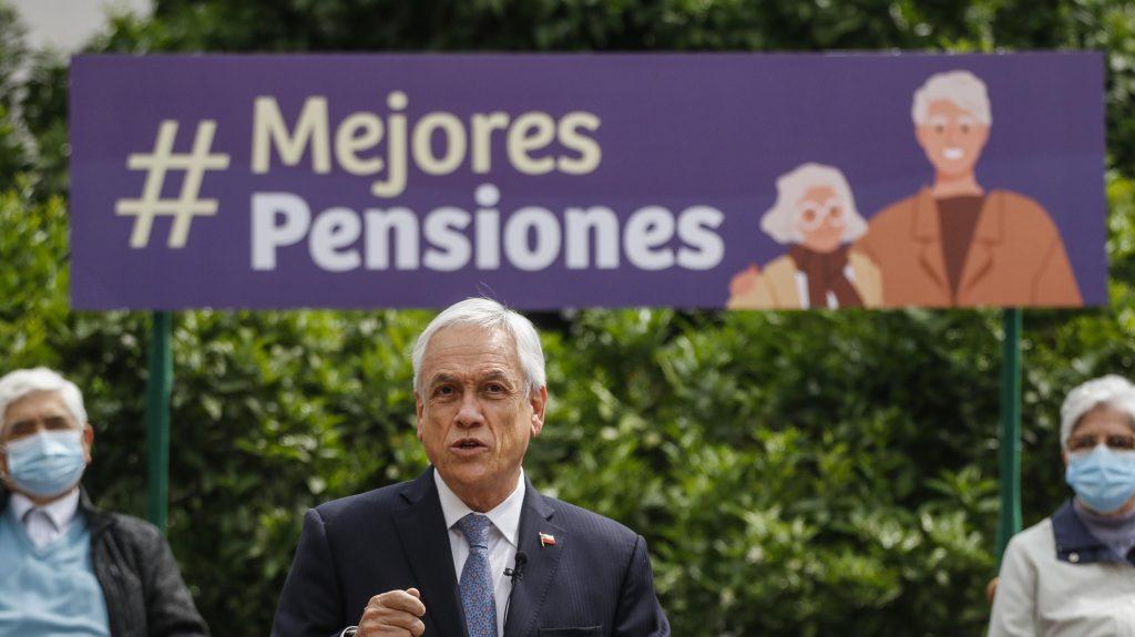"""Economista por proyecto de Ley Corta de Pensiones: """"No aborda el carácter estructural del problema"""""""