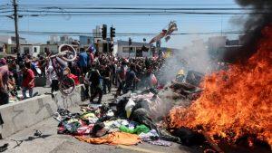 """Obispos por violencia contra inmigrantes en Iquique: """"Nos llena de vergüenza y de estupor"""""""
