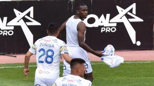Everton volvió a los triunfos en el norte del país y derrotó a la Deportes La Serena en La Portada