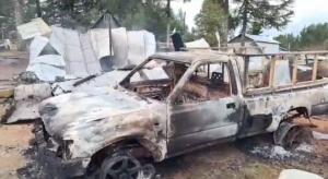 Individuos atacaron a familia e incendiaron su casa: matrimonio resultó con quemaduras graves