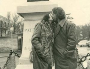 Los amantes de Tavernay: La historia de amor entre Patricio Manns y Alejandra Lastra