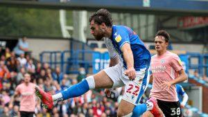 ¡En llamas! Ben Brereton muestra toda su faceta goleadora y anota un triplete en el triunfo del Blackburn Rovers