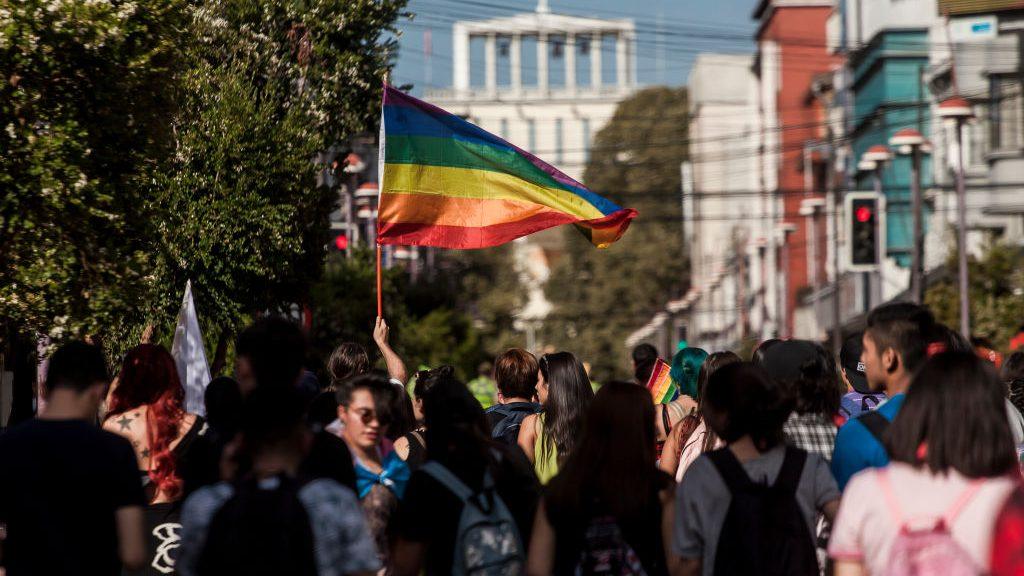 Movilh denunció ataque contra pareja lésbica en hotel de Santiago por parte de funcionarios del recinto