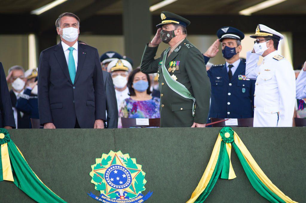El 56% de los brasileños apoya un juicio político para destituir al mandatario Jair Bolsonaro