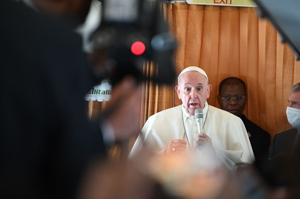 """""""Afrontar la verdad y buscar el perdón"""": Papa Francisco pide a la Iglesia Católica que reconozca sus errores en los casos de abusos a menores"""