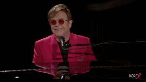 """Elton John pospone gira para 2023: """"Me parte el corazón tenerlos esperando más"""""""