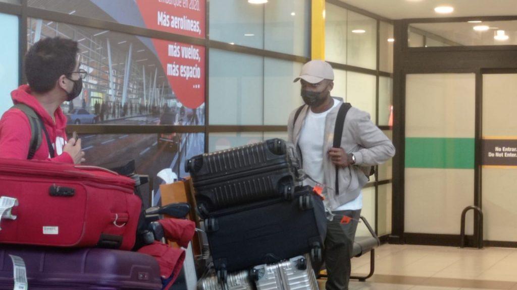 Junior Fernandes llegó a Santiago para firmar su regreso a Universidad de Chile