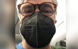 Francisco Reyes denuncia con videos falta de sanitización en avión