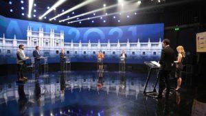 Fuego cruzado y frases desafortunadas: así fue el primer debate presidencial televisivo de cara a noviembre