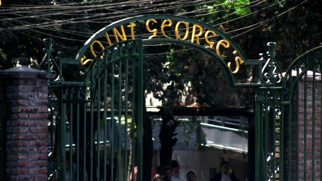 """Apoderados del colegio Saint George's reclamaron por """"lista de pecados"""""""