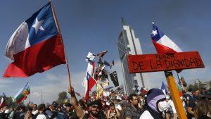 Pensemos Chile: El impacto y las consecuencias del estallido social en su segundo aniversario