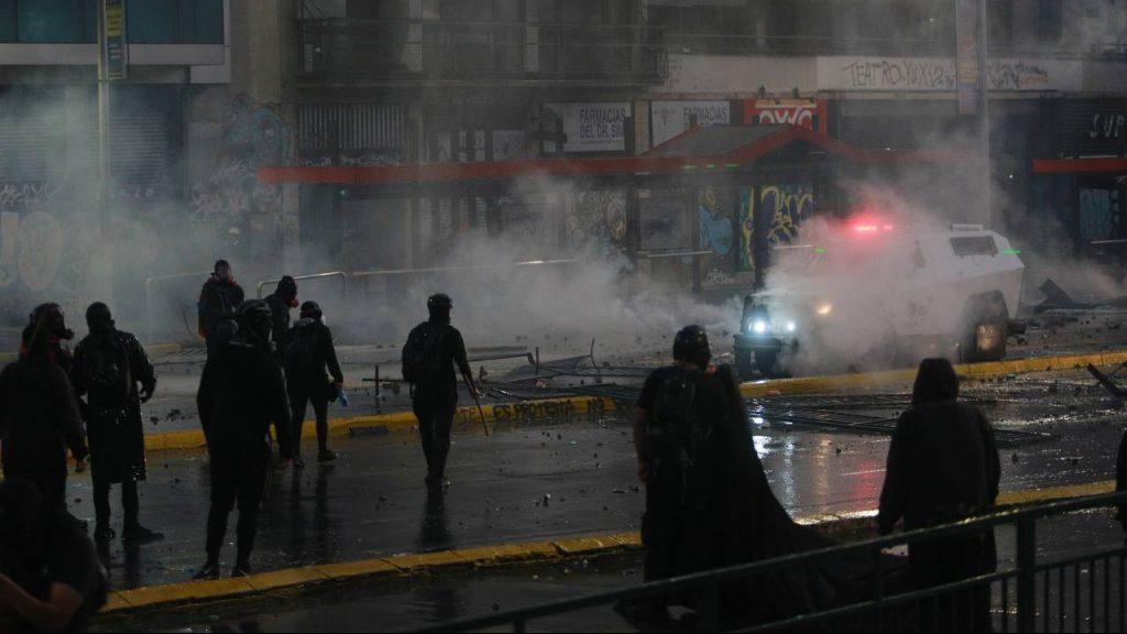 EN VIVO   Manifestaciones por el segundo aniversario del estallido social terminaron con incidentes y saqueos