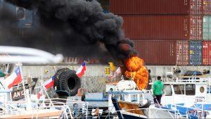 Tres pescadores resultaron heridos por perdigones durante protestas en Valparaíso: Directemar confirmó uso de estas municiones