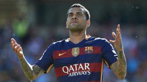¿Le cerró la puerta?: DT del Barcelona se refirió a la opción de que Dani Alves regrese al club