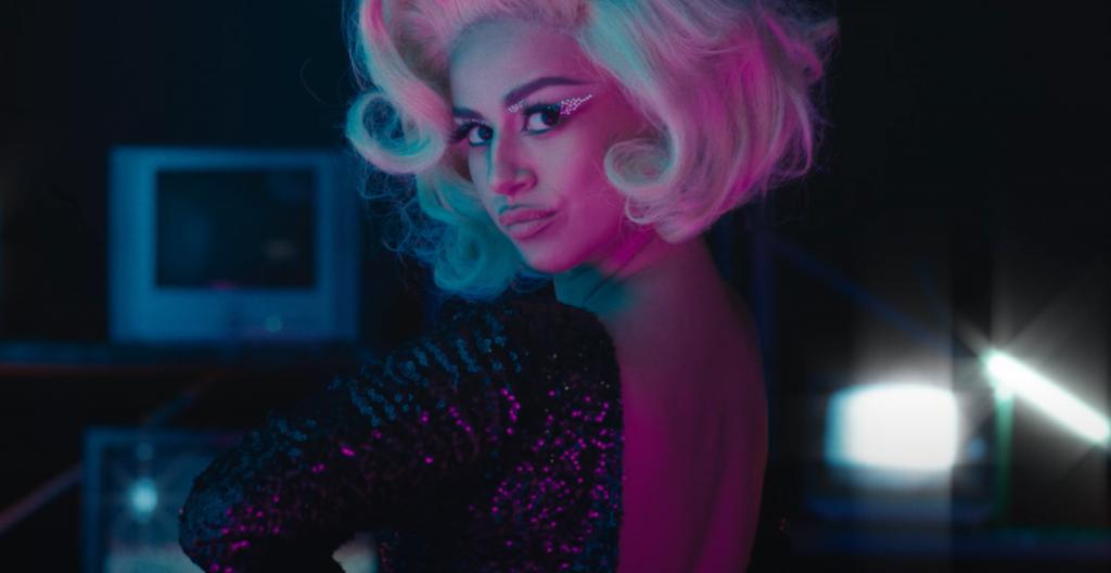 """Karla Melo debutó en la música con """"aires"""" de Thalía: Esta es su canción"""