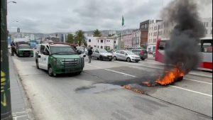 Pescadores de la ex Caleta Sudamericana levantaron barricadas en Valparaíso como protesta a 8 años de su traslado