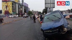 Automóvil chocó contra reja en bandejón de Estación Central: tenía encargo por robo