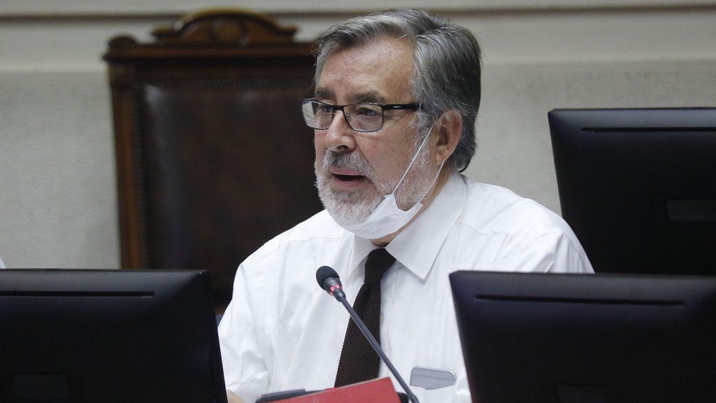 """Senador Alejandro Guillier: """"No he escuchado a nadie de la derecha que haya dicho algo sobre los disparos con perdigones"""""""