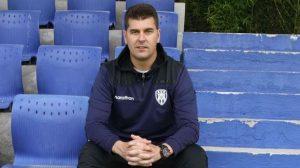 Quién es Ismael Rescalvo, el entrenador que buscaría Universidad de Chile para 2022