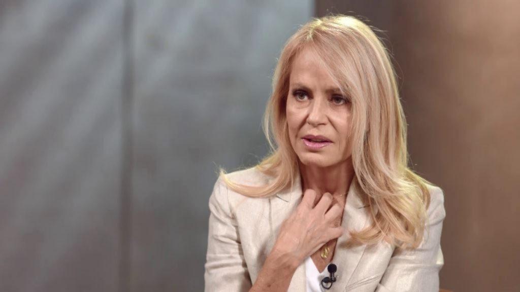 """El complejo trastorno bucal que sufre Cecilia Bolocco: confesó que se hizo """"pedazos los dientes"""""""