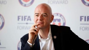 La loca propuesta de Gianni Infantino para realizar el Mundial cada dos años