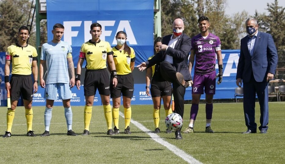 """Presidente de la FIFA Gianni Infantino: """"Chile debe tener la ambición de organizar de nuevo un Mundial masculino adulto"""""""
