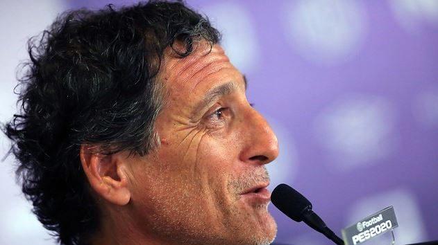 Huachipato sorprende y anunció a Mario Salas como su nuevo entrenador