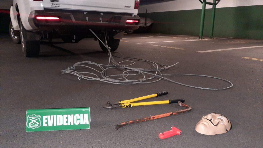 Siete delincuentes fueron detenidos en Chillán por robo de vehículo: usaban máscara de la Casa de Papel